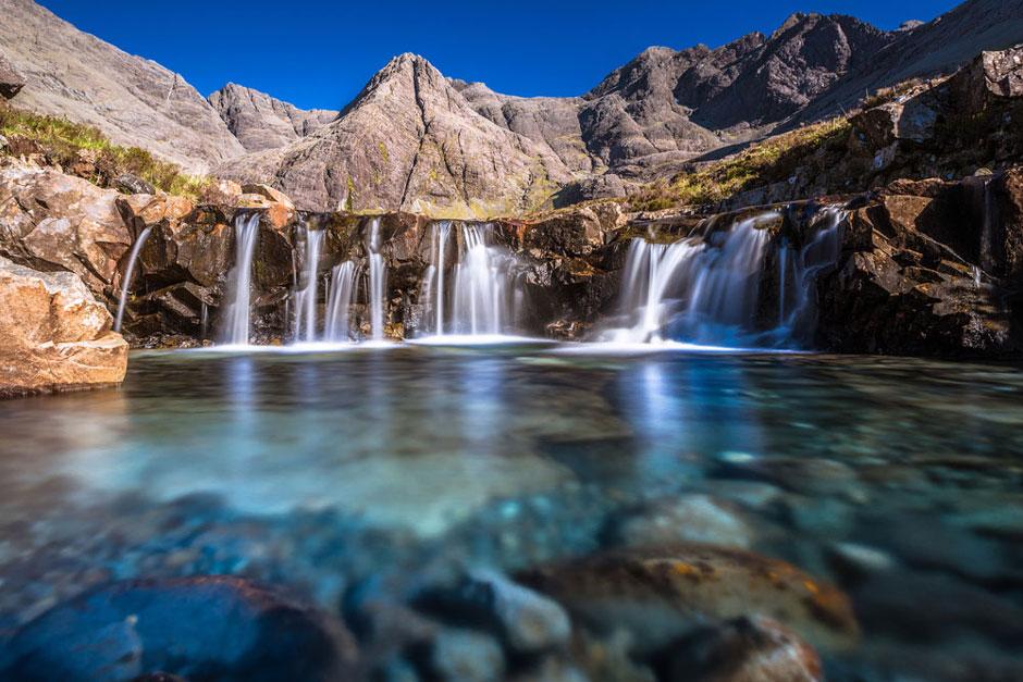 explore isle of skye fairy pools